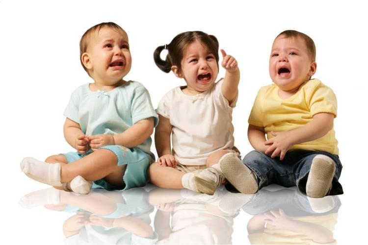 trillizos-llorando